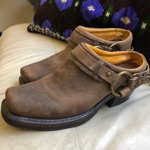 FRYE Leather Belted Harness Mules Size 7 EUC